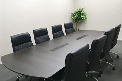 弁護士法人ALG横浜支部応接室